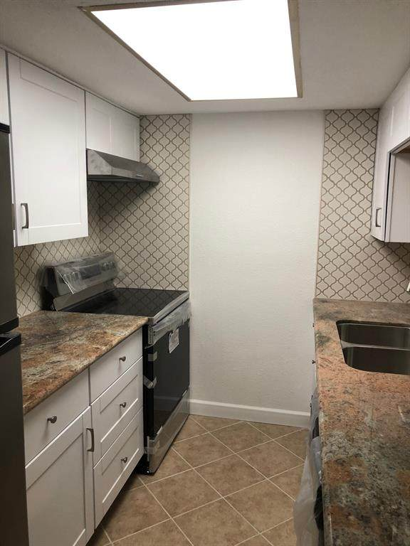 9009 Richmond Avenue #615, Houston, TX 77063 (MLS #60513950) :: Caskey Realty