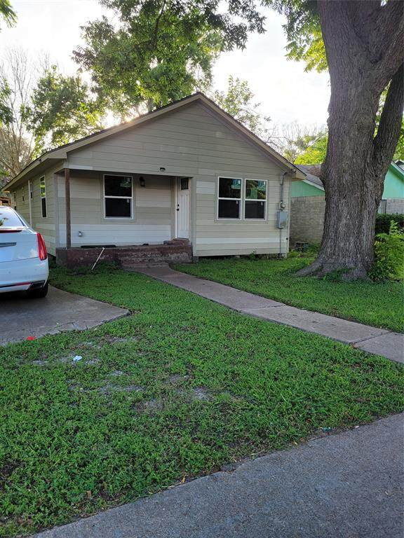 325 S Bell Drive, Texas City, TX 77591 (MLS #60608346) :: Caskey Realty