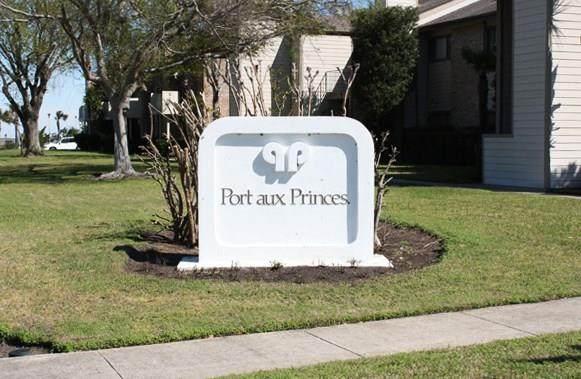 7081 N Holiday Drive, Galveston, TX 77550 (MLS #61888304) :: NewHomePrograms.com LLC
