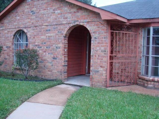 6607 Rockergate Drive, Houston, TX 77489 (MLS #6201639) :: My BCS Home Real Estate Group