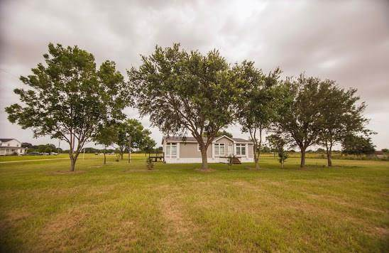 17150 Blinka Road, Waller, TX 77484 (MLS #62023014) :: The SOLD by George Team