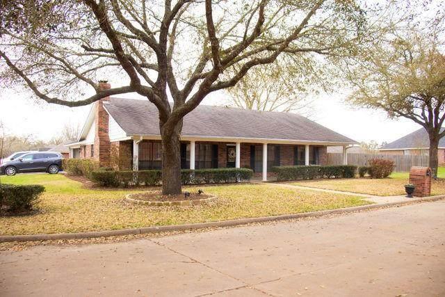 402 Aspen Bend Street, Crockett, TX 75835 (#62667890) :: ORO Realty
