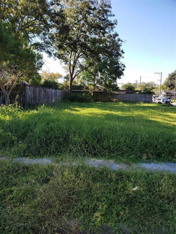 401 E Hunnicutt Street, Baytown, TX 77520 (MLS #62741061) :: Texas Home Shop Realty