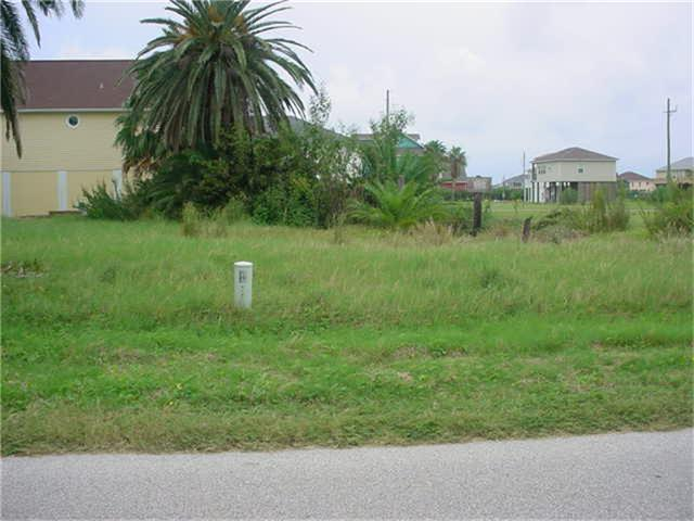 909 Crane Lane, Crystal Beach, TX 77650 (MLS #63508192) :: Texas Home Shop Realty