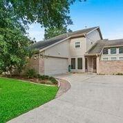 8135 Wind Forest Drive, Houston, TX 77040 (MLS #63967507) :: The Parodi Team at Realty Associates