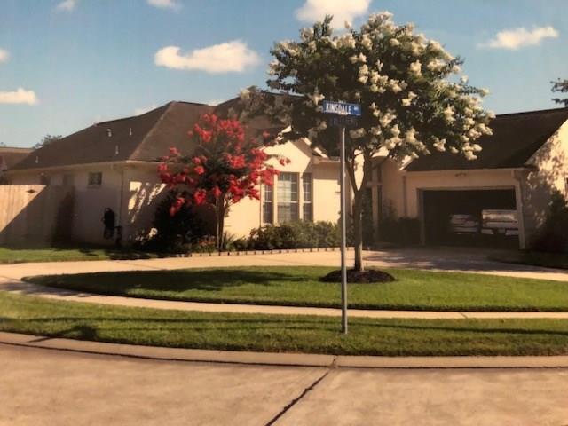 2450 Kinsdale Avenue, Dickinson, TX 77539 (MLS #64704596) :: Rachel Lee Realtor