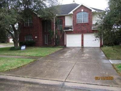 922 E Hampton Drive, Pearland, TX 77584 (MLS #64828336) :: Christy Buck Team