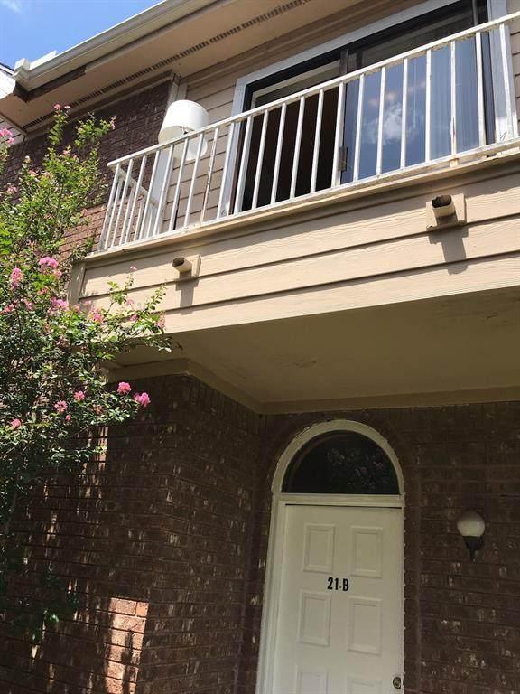8320 Wild Rose Street 21B, Houston, TX 77083 (MLS #6508872) :: My BCS Home Real Estate Group