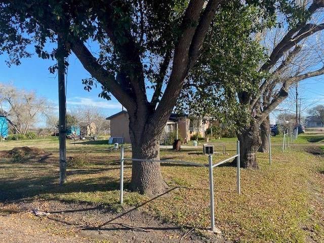 100 S Nueces, Bloomington, TX 77951 (MLS #65296110) :: The Jennifer Wauhob Team
