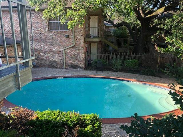 6401 Skyline Drive #20, Houston, TX 77057 (MLS #65355843) :: Connect Realty