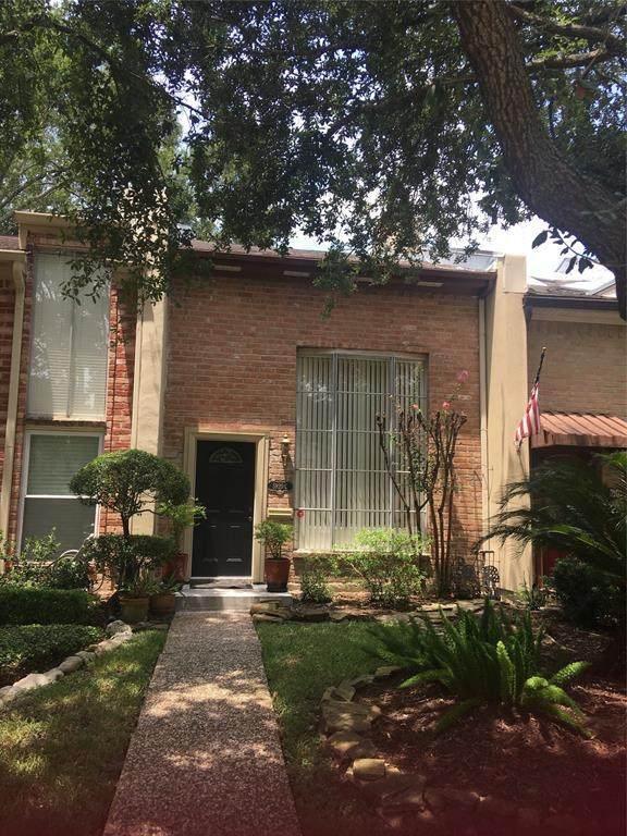 5920 Valley Forge Drive #3, Houston, TX 77057 (MLS #65687509) :: The Bly Team
