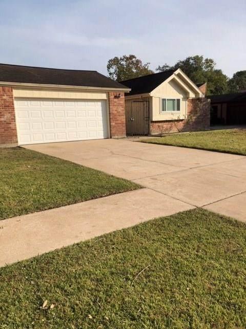 15523 Pensgate Street, Houston, TX 77062 (MLS #6570620) :: Bay Area Elite Properties