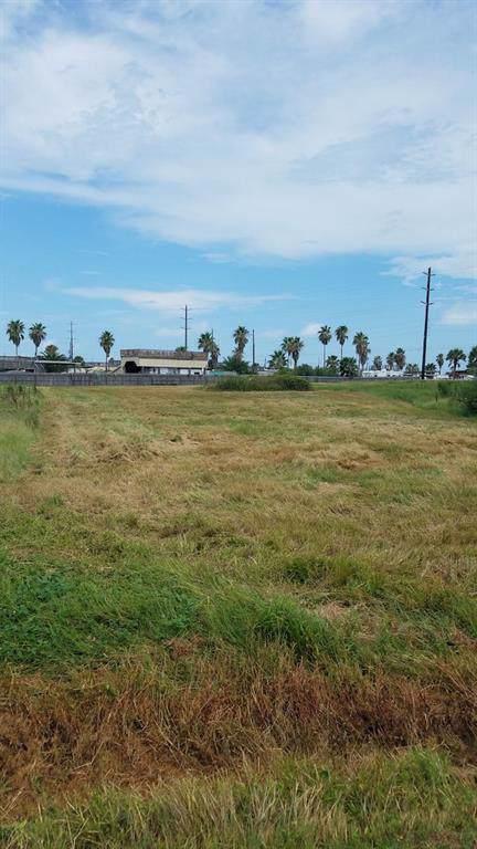 18211 Shaman Drive, Galveston, TX 77554 (MLS #66060779) :: The Heyl Group at Keller Williams