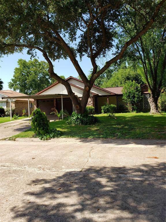 1704 Sierra Drive, Baytown, TX 77521 (MLS #66436005) :: The Jill Smith Team