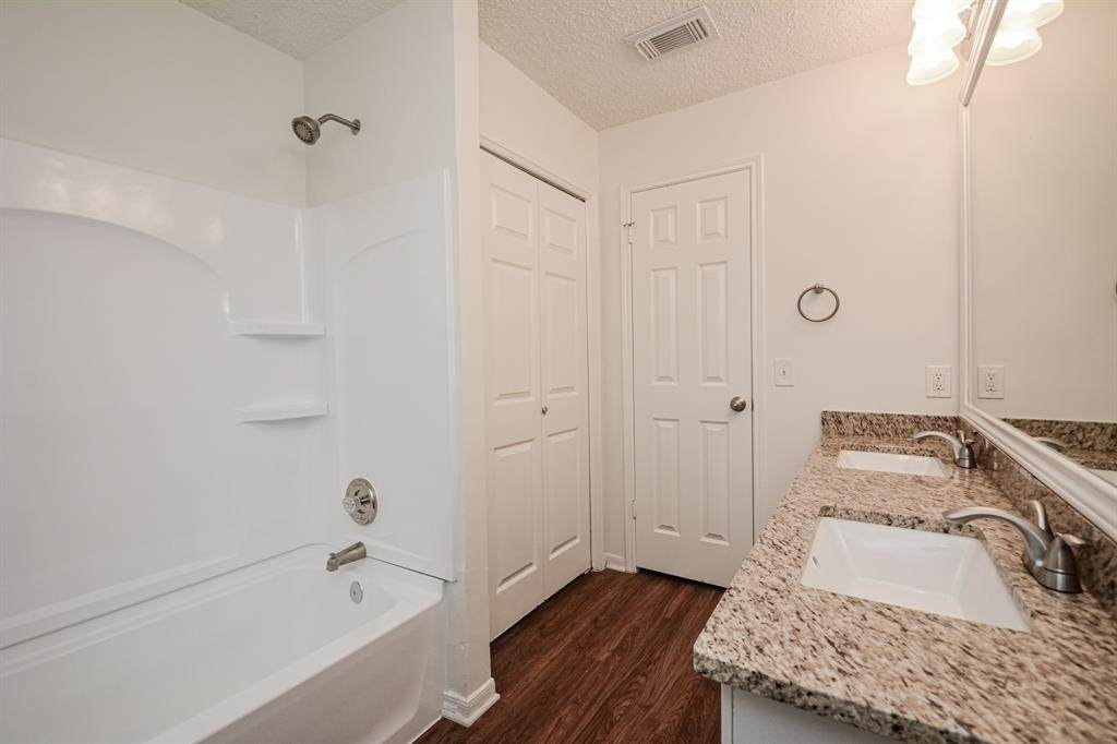 13822 Glade Hollow Drive - Photo 1