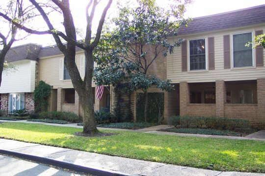 8960 W Chatsworth Drive, Houston, TX 77024 (MLS #66590528) :: Giorgi Real Estate Group