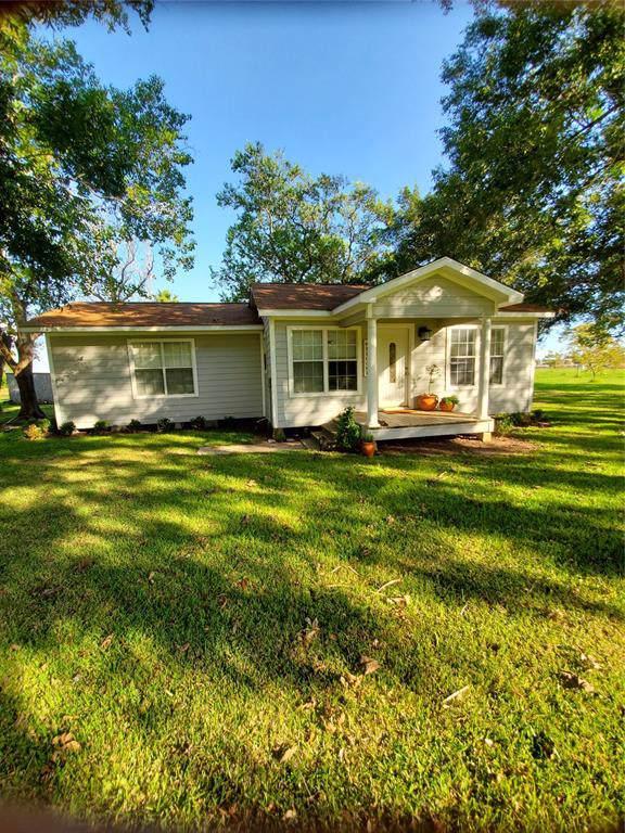 902 County Road 235, Wharton, TX 77488 (MLS #66593374) :: The Jill Smith Team