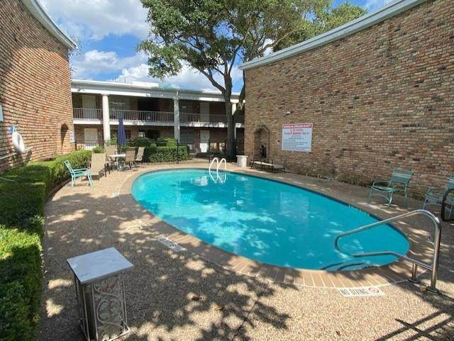 2201 Fountain View Drive #45, Houston, TX 77057 (MLS #66985887) :: The SOLD by George Team
