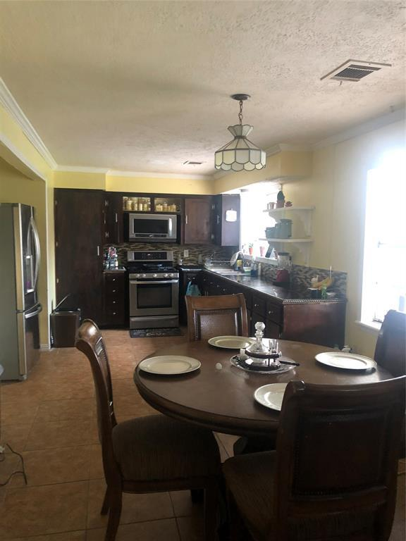 4807 Ivy Street, Pasadena, TX 77505 (MLS #67669242) :: The Home Branch