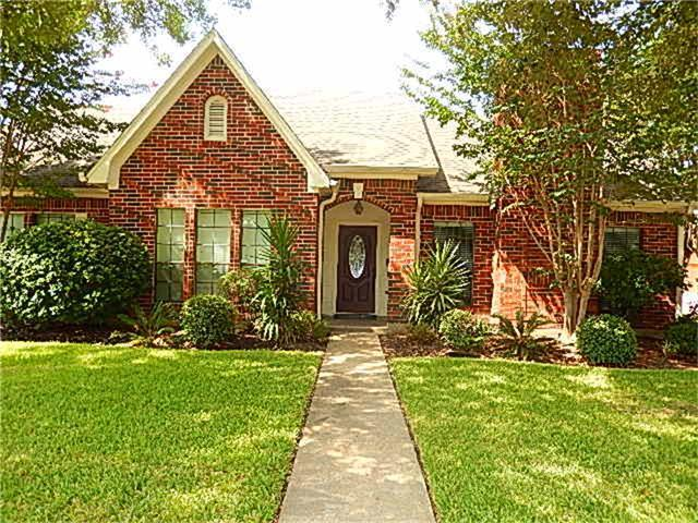 12134 Ella Lee Lane, Houston, TX 77077 (MLS #67755243) :: Magnolia Realty