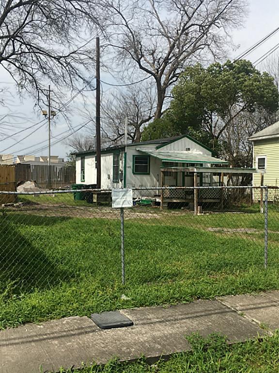 120 1/2 Nagle Street, Houston, TX 77003 (MLS #67777048) :: Carrington Real Estate Services