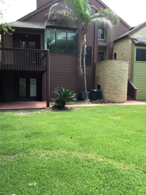 141 Moss Point Drive, Friendswood, TX 77546 (MLS #68195128) :: Texas Home Shop Realty