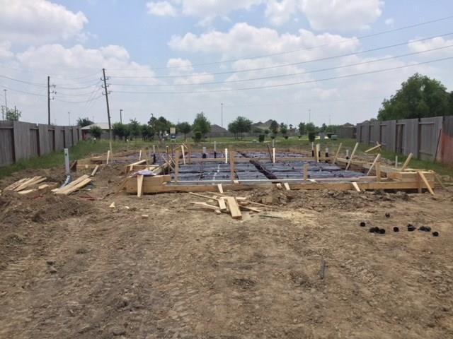 1410 Banbury Court, Houston, TX 77073 (MLS #68678865) :: Christy Buck Team