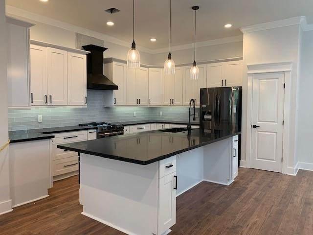 322 E 39TH, Houston, TX 77018 (MLS #68823163) :: My BCS Home Real Estate Group