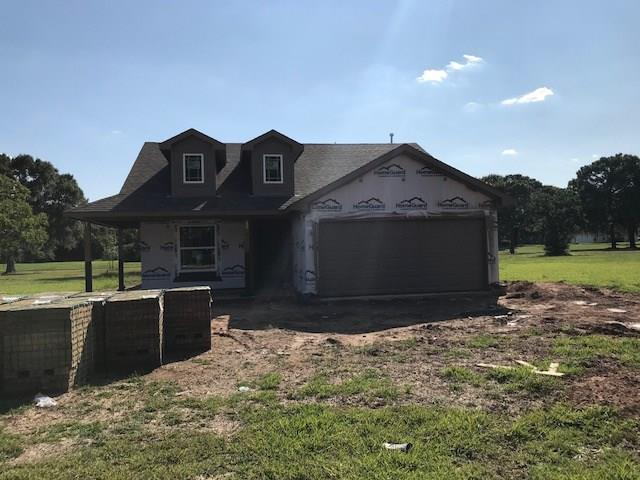 435 S Amherst Drive, West Columbia, TX 77486 (MLS #68997856) :: The SOLD by George Team