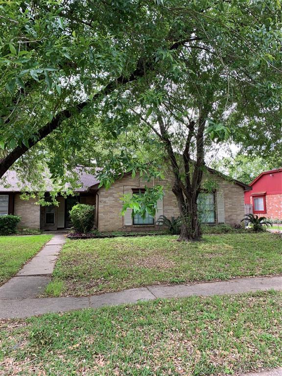 9207 Benthos Drive, Houston, TX 77083 (MLS #69024132) :: Texas Home Shop Realty
