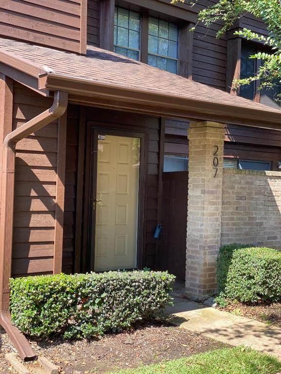 2611 Grants Lake Boulevard #207, Sugar Land, TX 77479 (MLS #69099359) :: Homemax Properties