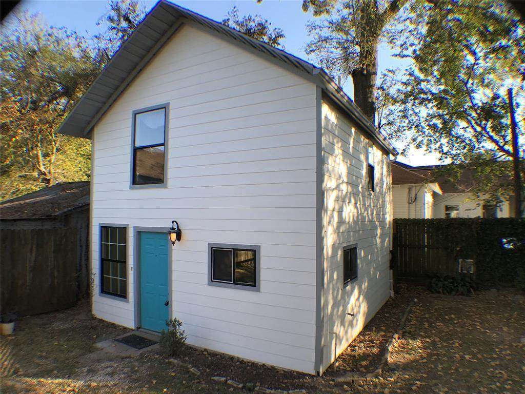 3407 White Oak Drive - Photo 1