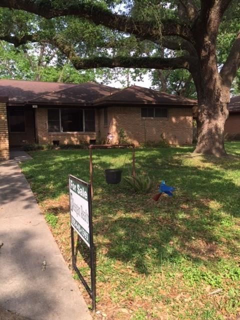 704 Barbara Street, Tomball, TX 77375 (MLS #6984977) :: Grayson-Patton Team