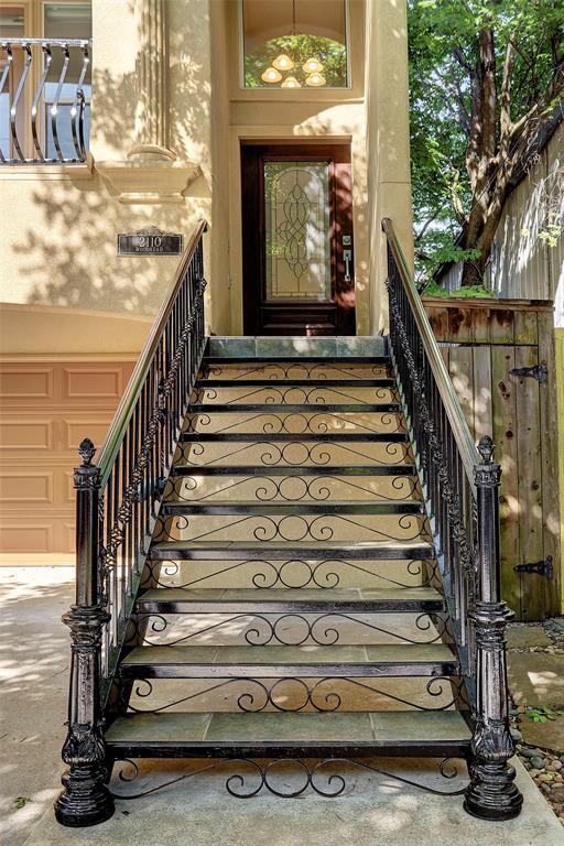 2110 Woodhead Street, Houston, TX 77019 (MLS #7011180) :: Texas Home Shop Realty