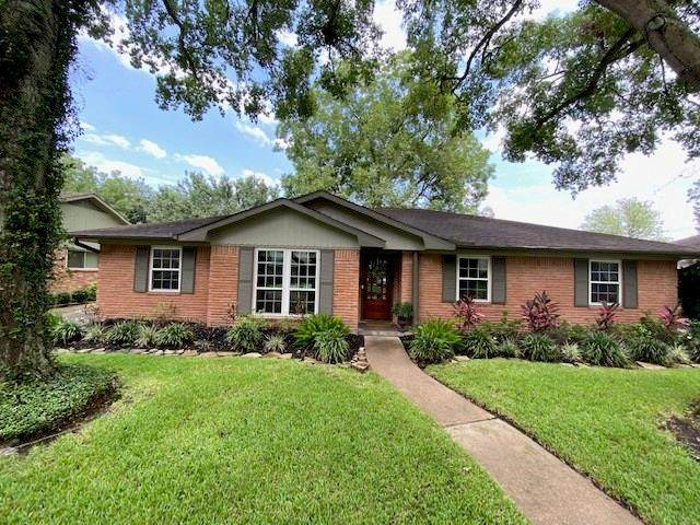 5838 Queensloch Drive, Houston, TX 77096 (MLS #70137455) :: The SOLD by George Team