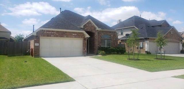 1504 Nacogdoches Valley Drive, League City, TX 77573 (MLS #70340197) :: The Bly Team