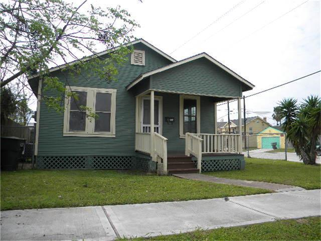 4227 Avenue L, Galveston, TX 77550 (MLS #70456140) :: Carrington Real Estate Services