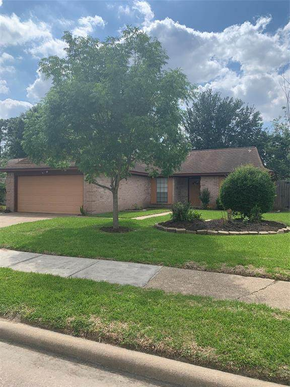 10911 Village Trail Drive, Houston, TX 77065 (MLS #70520006) :: Caskey Realty