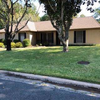 403 Brookhollow, Huntsville, TX 77340 (MLS #70552110) :: The SOLD by George Team