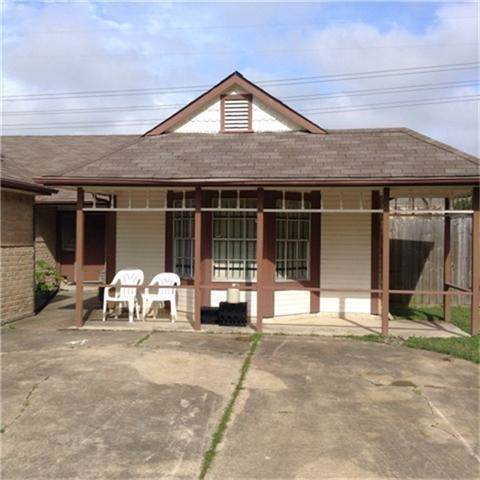 12054 Spring Grove Drive, Houston, TX 77099 (MLS #70620855) :: The Sansone Group