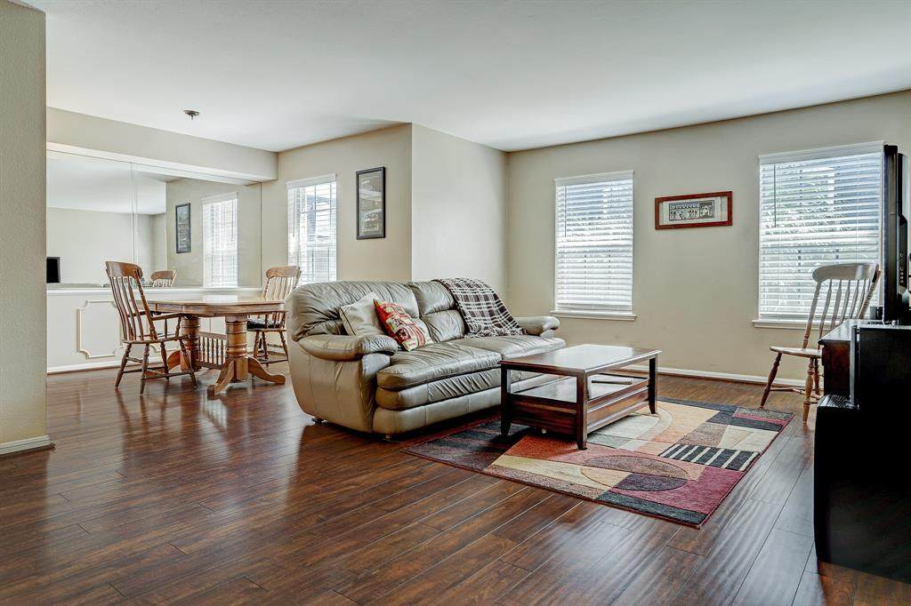 355 Post Oak Lane - Photo 1