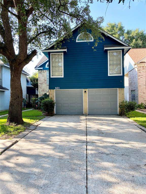 931 Hartman Drive, Baytown, TX 77521 (MLS #70952685) :: The Heyl Group at Keller Williams