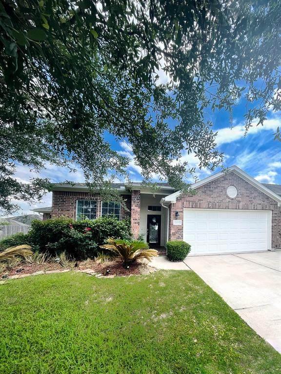 12902 Ocean Point Drive, Pearland, TX 77584 (MLS #71327584) :: Homemax Properties