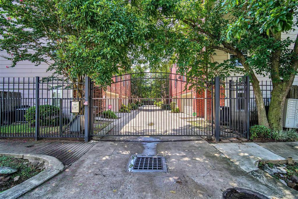 1311 Bingham Street - Photo 1