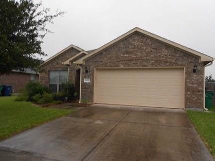 5222 Mcgrath Drive, Alvin, TX 77511 (MLS #71691020) :: The Sold By Valdez Team