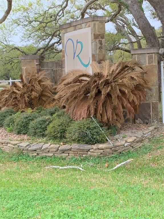 3155 Vaquero Drive Drive, Palacios, TX 77465 (MLS #71697920) :: Rachel Lee Realtor