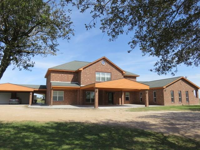 719 County Rd 411, El Campo, TX 77437 (MLS #72454951) :: The SOLD by George Team