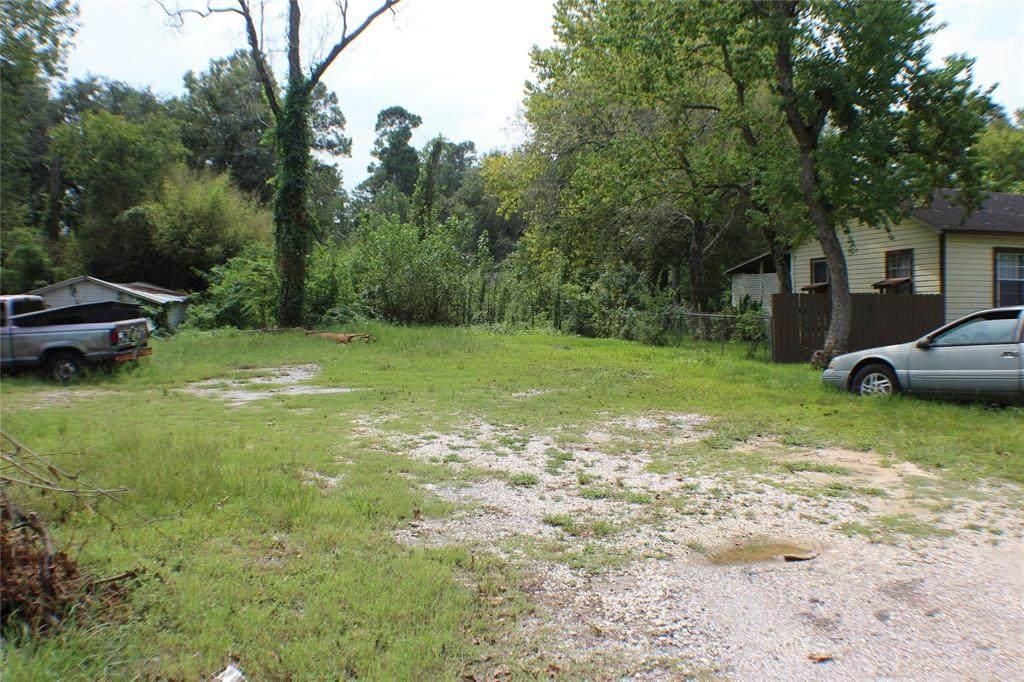 9102 Richland Drive - Photo 1