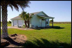 716 County Road 291, Bay City, TX 77414 (MLS #73357300) :: Caskey Realty