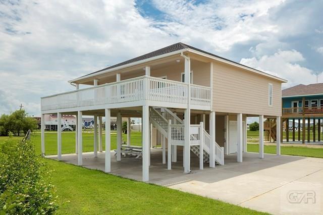 953 Surfside Drive, Crystal Beach, TX 77650 (MLS #73450646) :: Giorgi Real Estate Group